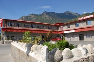 Hotel De Oro