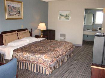 Tecumseh Inn & Suites