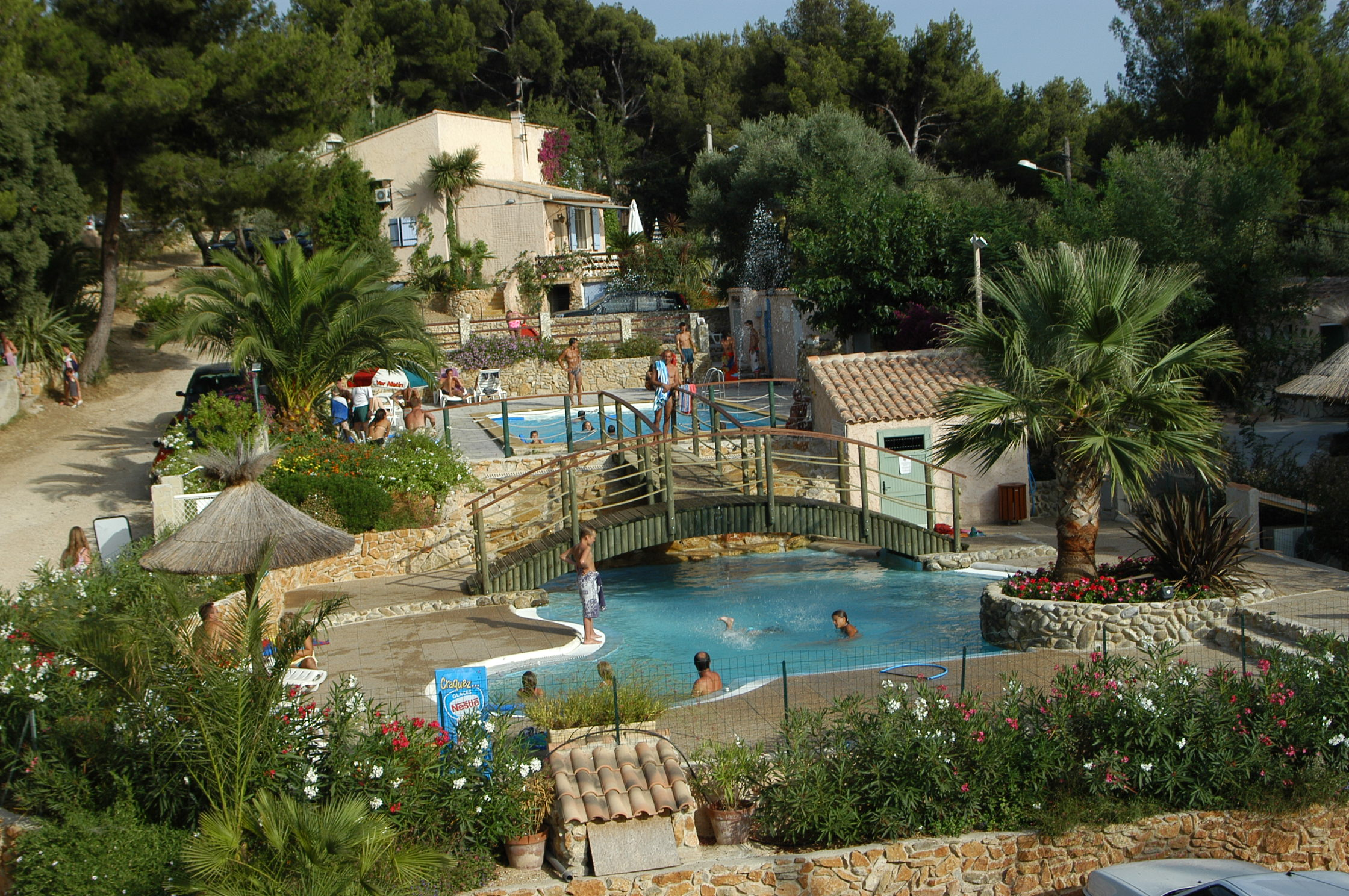 Camping clos st therese saint cyr sur mer france voir for Voir piscine