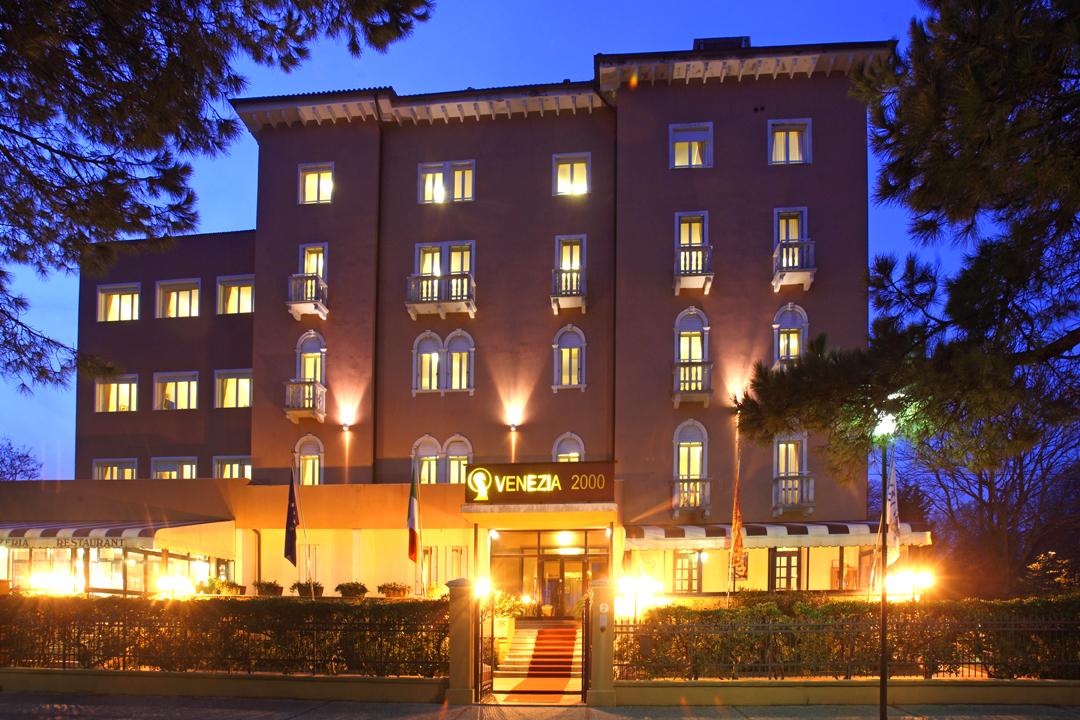 ホテル ベネチア 2000