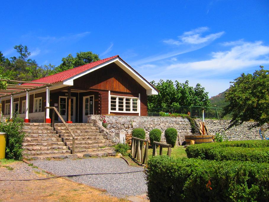 Los Quenes River Lodge & Cabanas