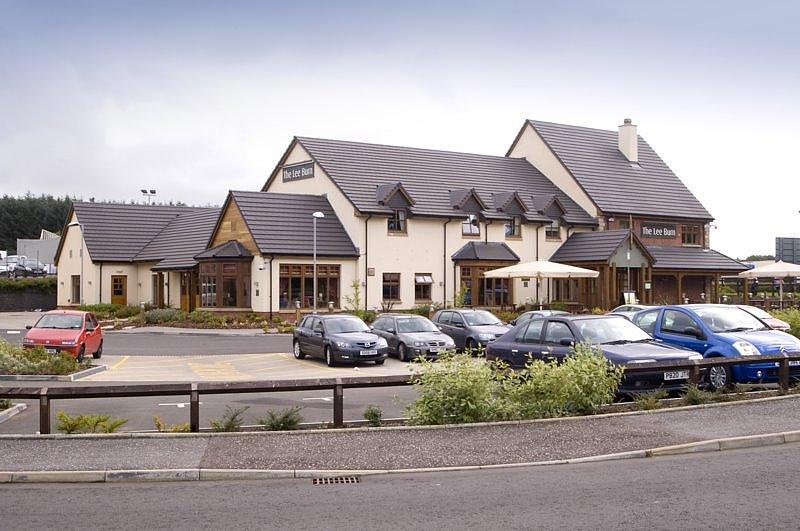 Premier Inn Glasgow East Kilbride (Nerston Toll) Hotel
