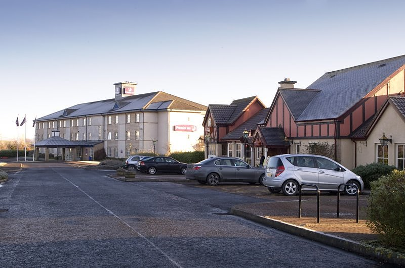 Premier Inn Livingston (Bathgate)