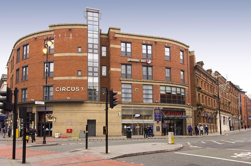Premier Inn Manchester City Centre - Portland Street