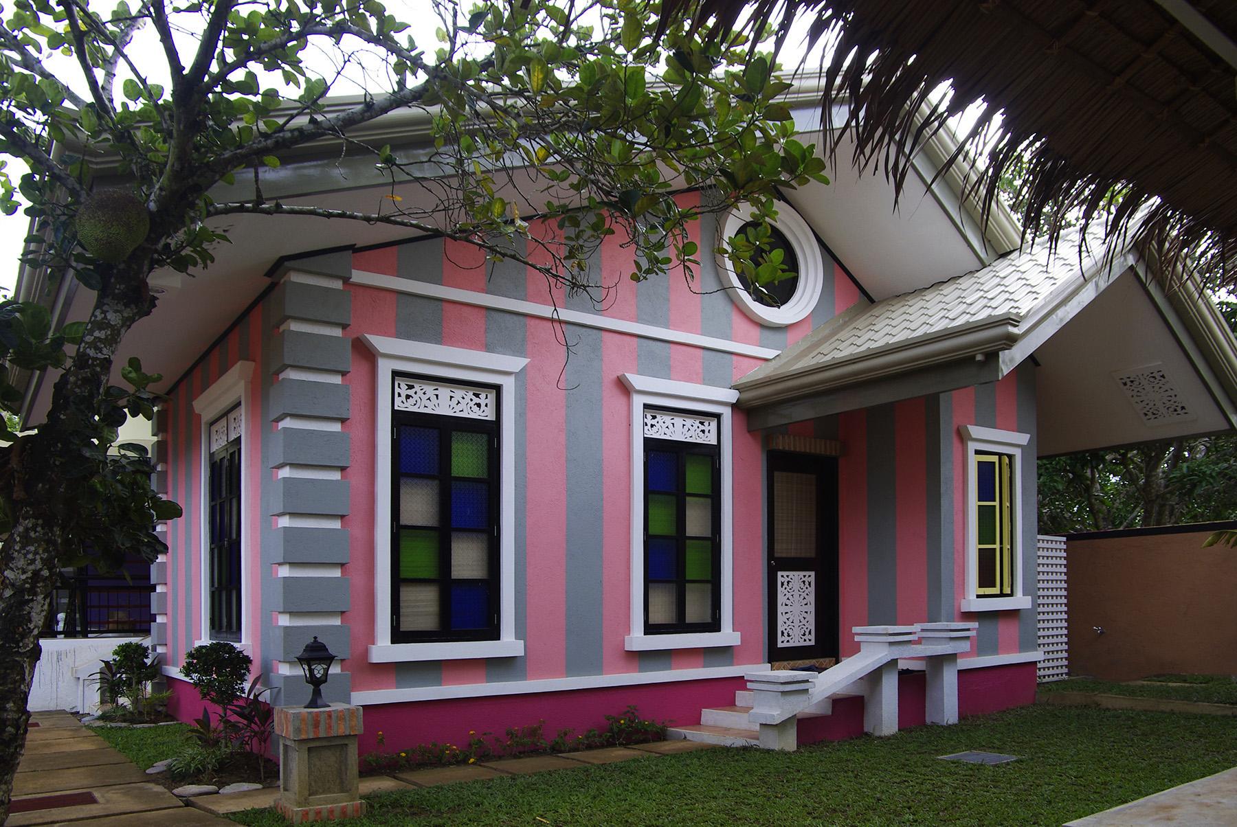 Purple Fountain Courtyard Inn