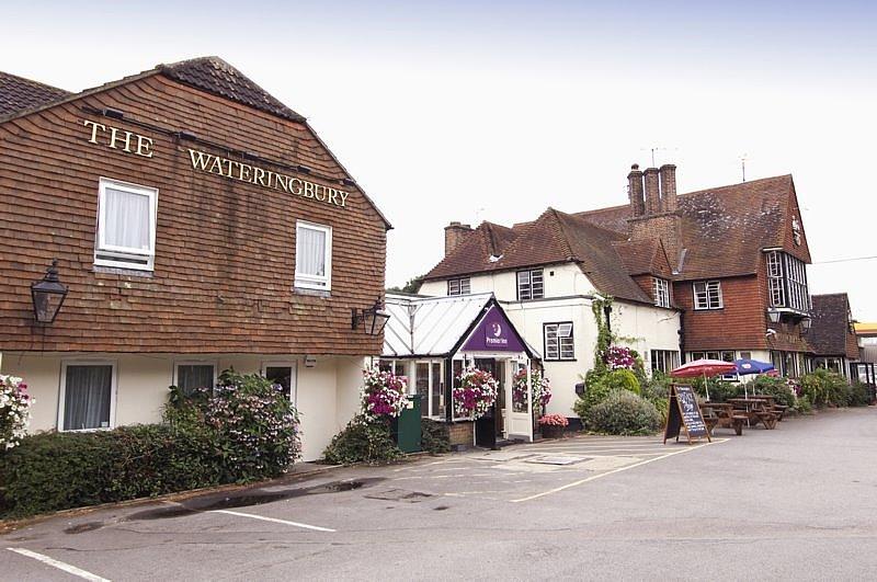 Premier Inn Maidstone (A26/Wateringbury) Hotel