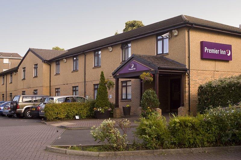 Premier Inn Glasgow East Kilbride (Peel Park) Hotel