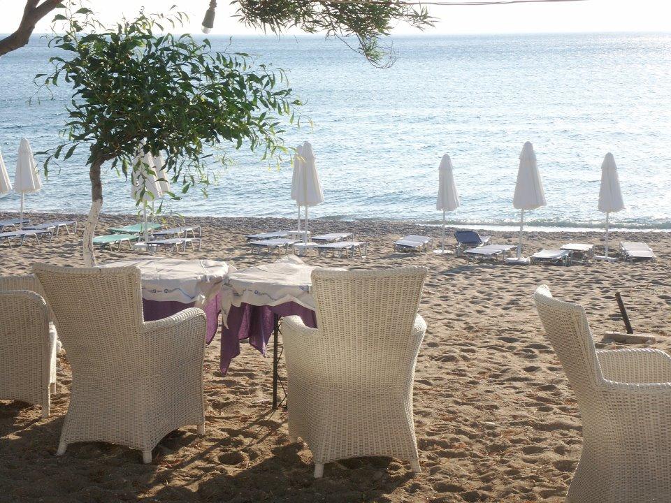 Minos Beach Hotel