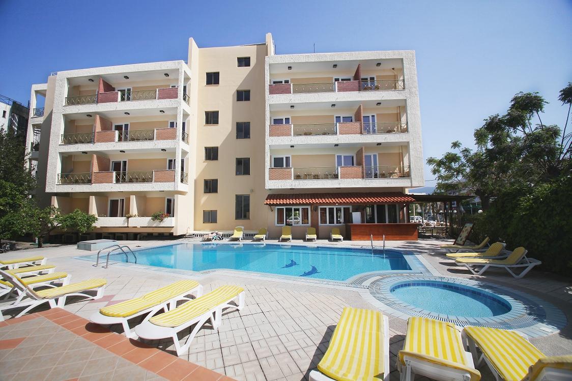 パブロス ホテル