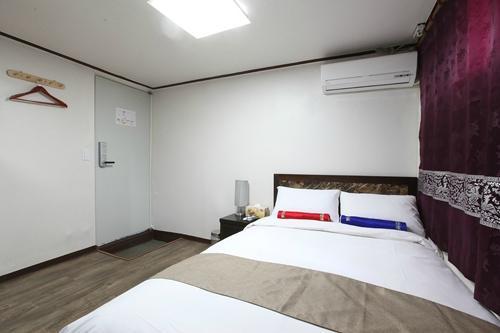 首爾新村酒店