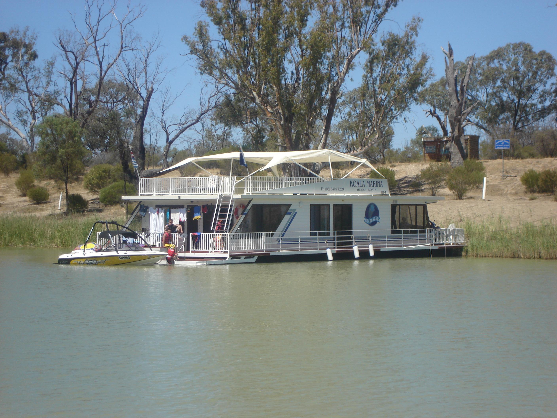 Koala Houseboats