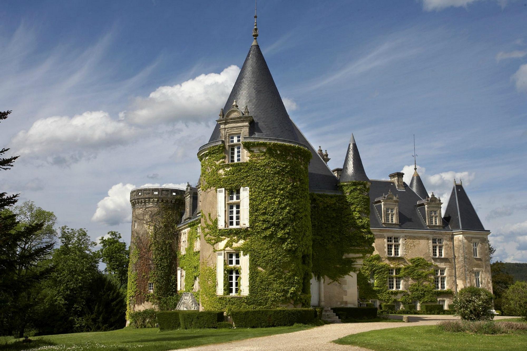 Chateau De La Cote