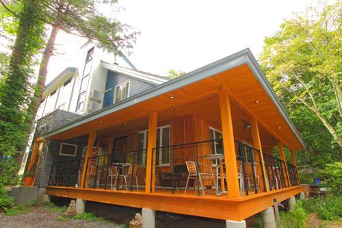 Log Cottage Tomato