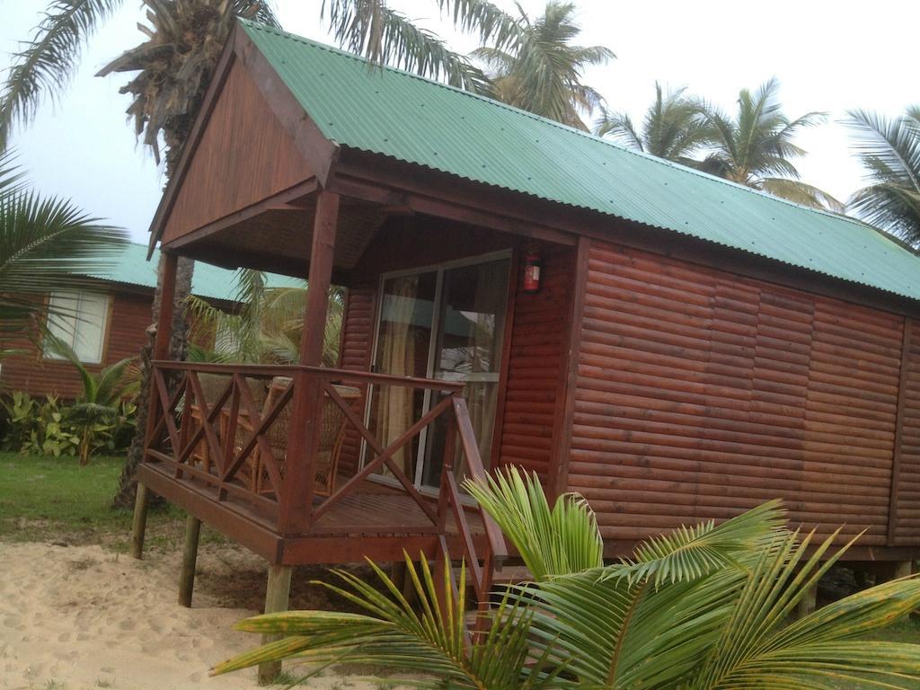 Kwanza Tarpon Lodge