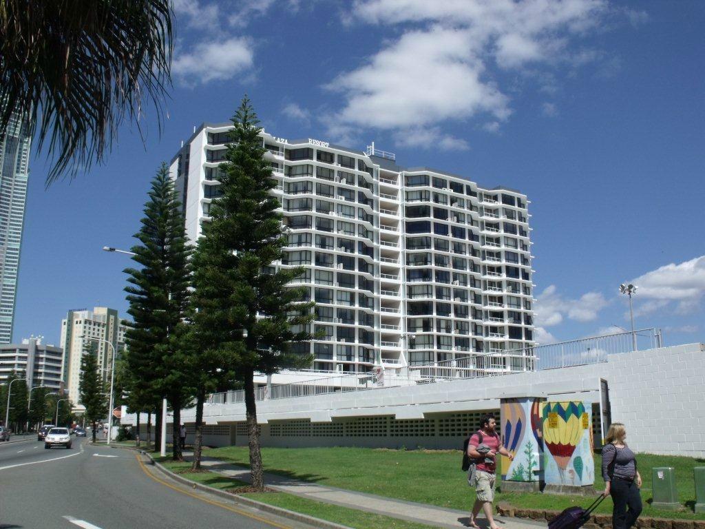 Surfers Plaza Resort