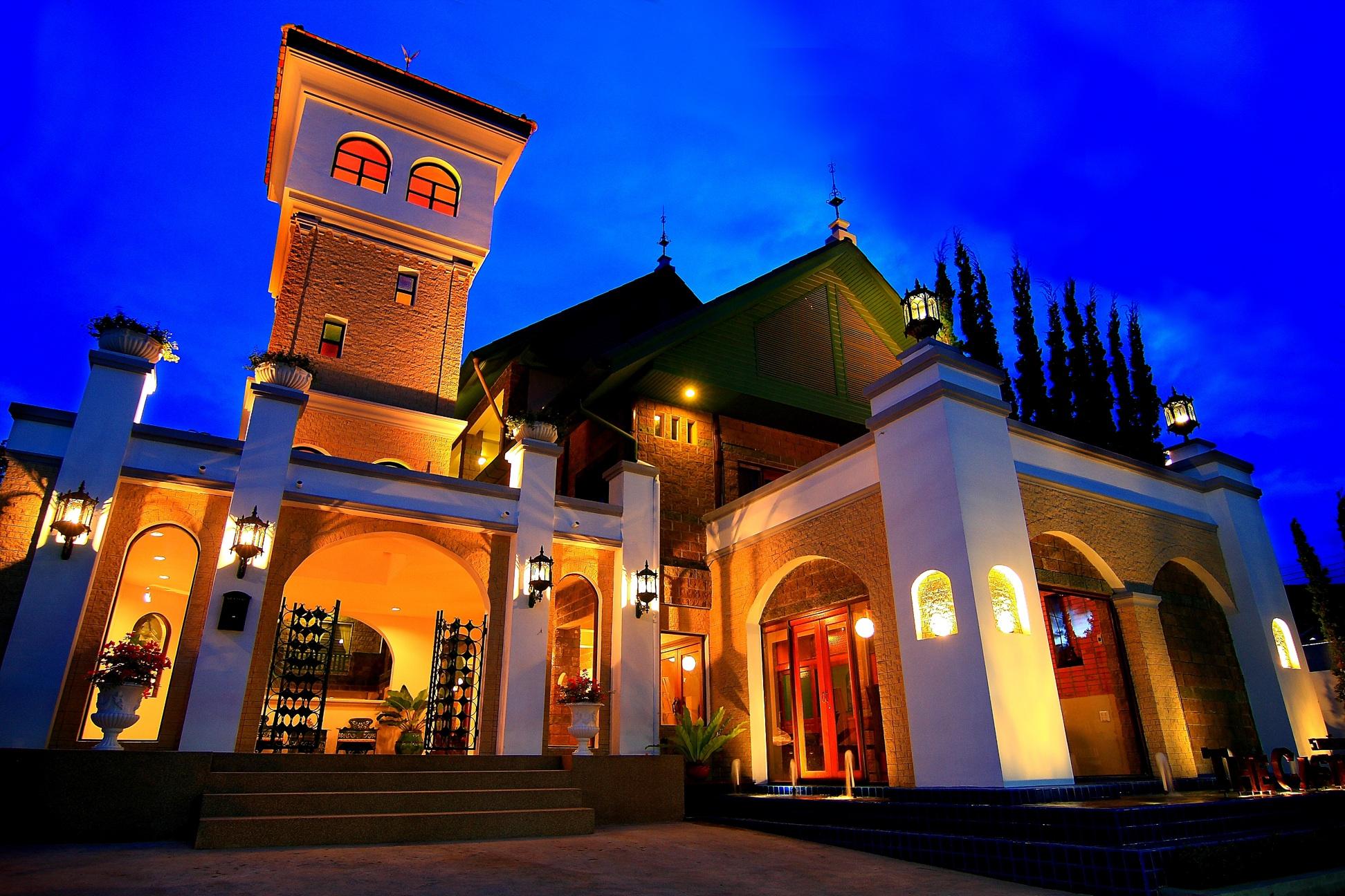 坡平城堡酒店