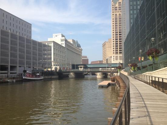 ‪Milwaukee RiverWalk‬