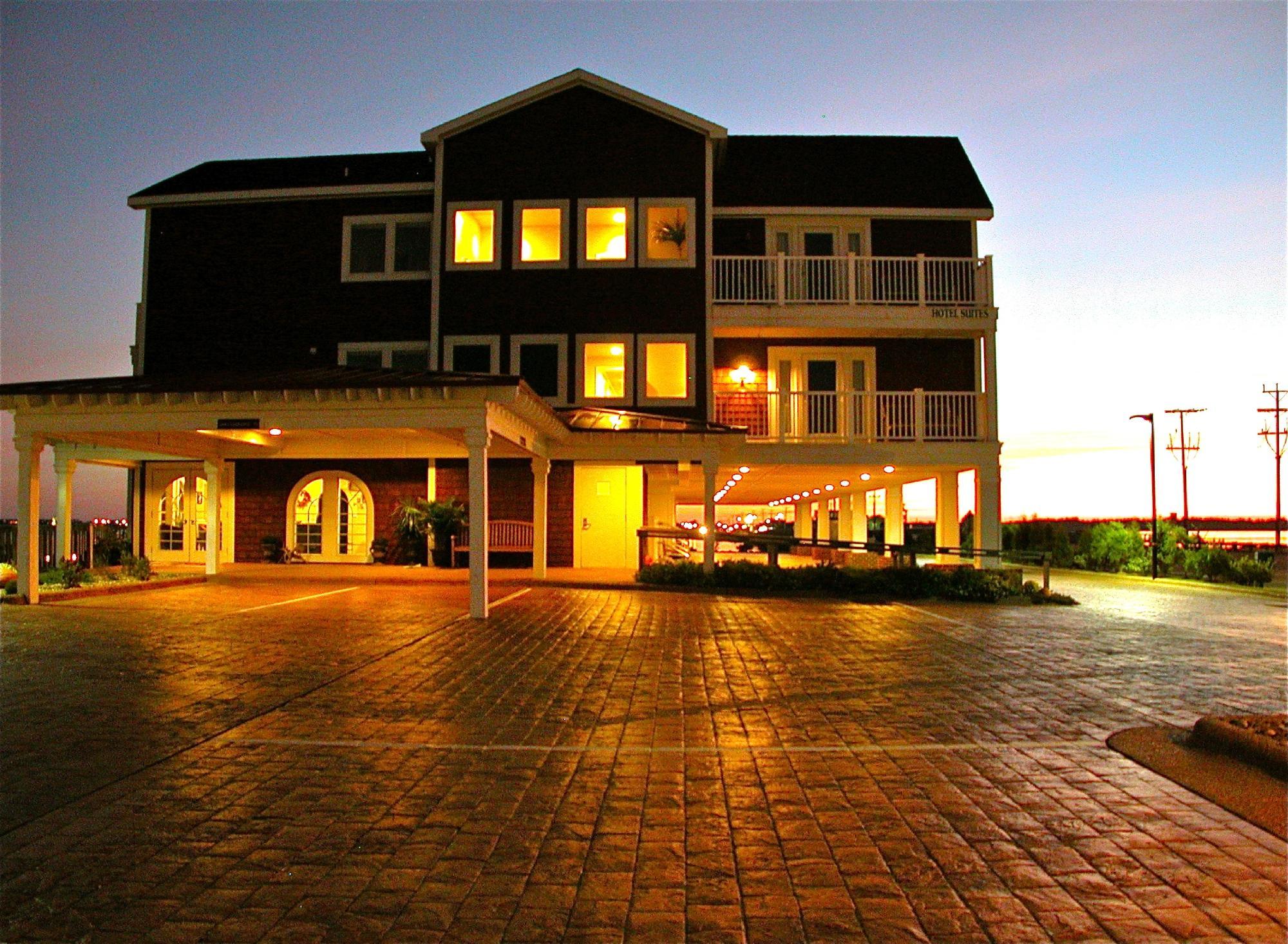 Oasis Suites Hotel