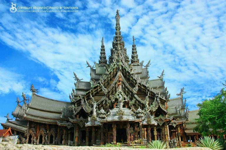 Sanctuary of Truth (Prasat Sut Ja-Tum) (Pattaya, Thailand ...