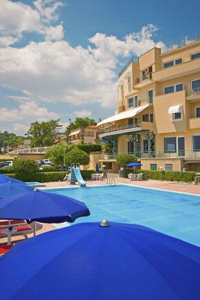 Hotel scogliera numana marche prezzi e recensioni for Hotel meuble la spiaggiola numana