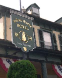 Yellow House Hotel