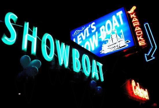 Levi's Showboat