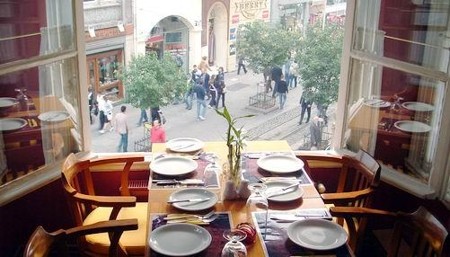 M&N Cafe & Brasserie