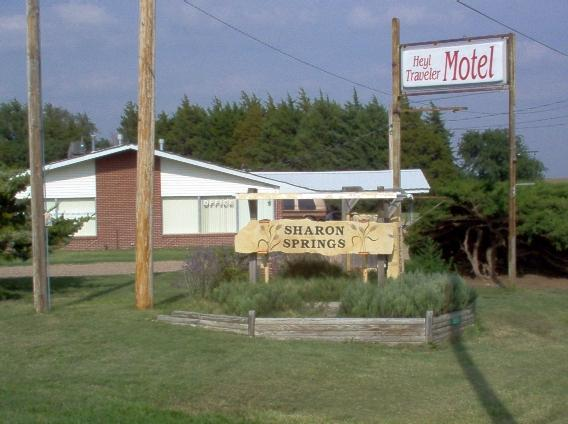 Heyl Traveler Motel