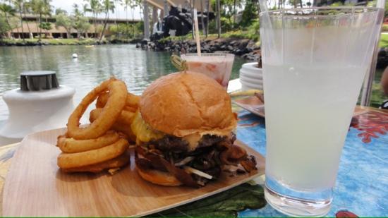 Lagoon Grill at Hilton Waikoloa