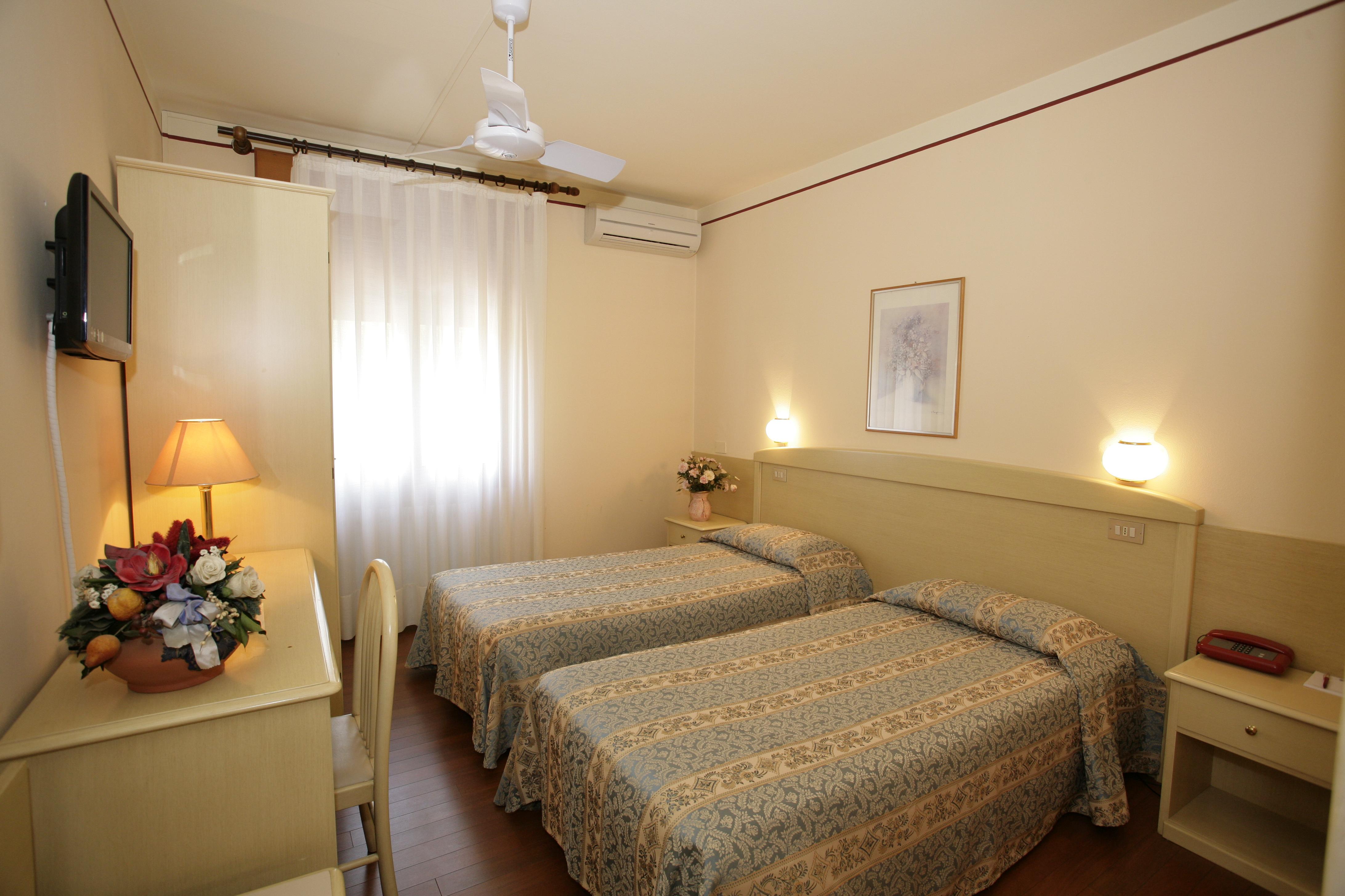 艾則利諾飯店