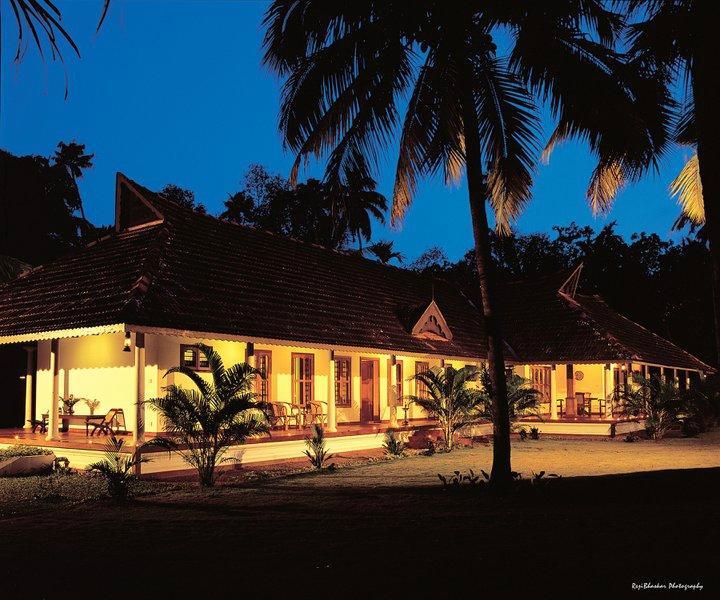 Kovilakam Lakeside Villa
