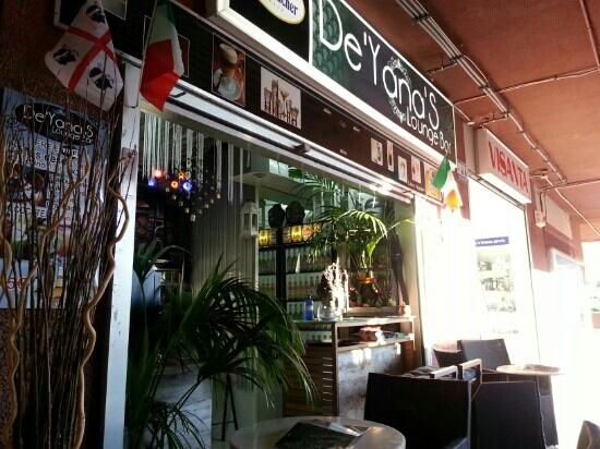 De'Yana's Lounge Bar