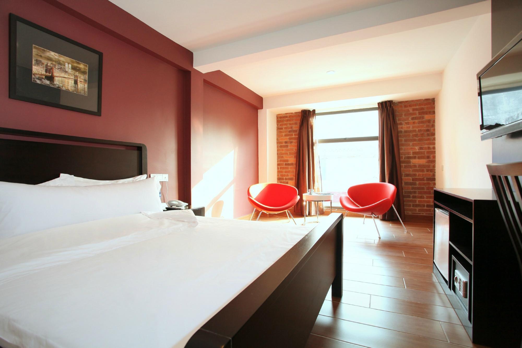 โรงแรม ครอสโรดส์