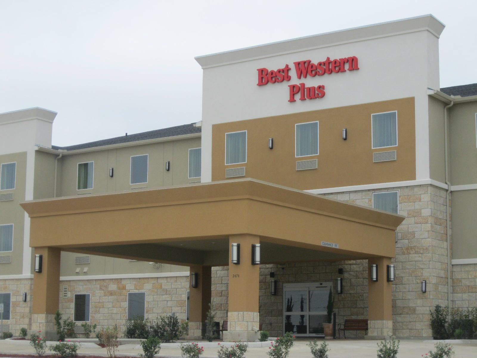 BEST WESTERN PLUS Carrizo Springs Inn & Suites