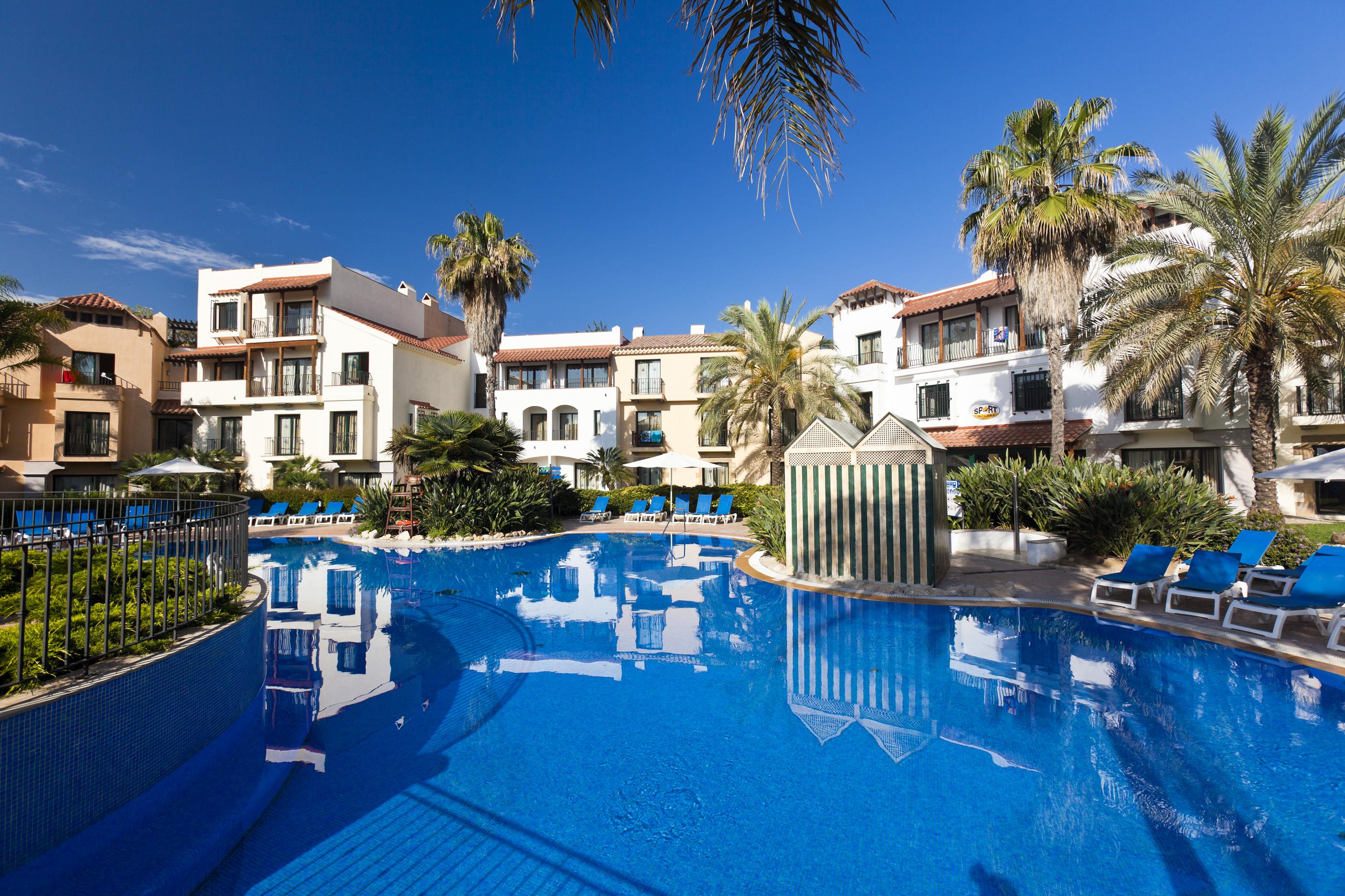 hotel avenida salou: