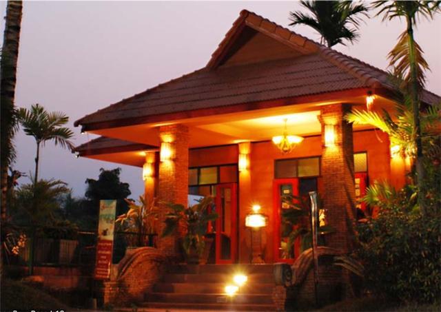 Saimoonbury Resort
