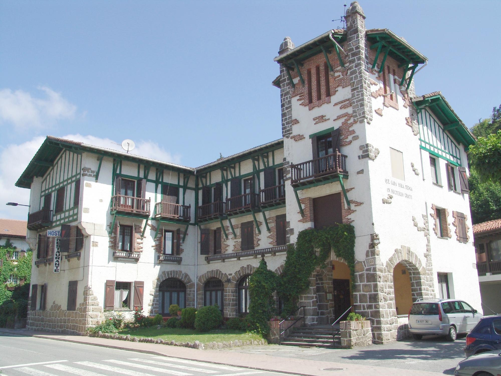 Hotel Ayestaran