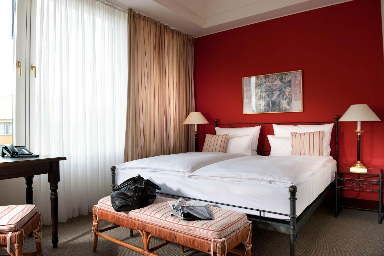 ホテル エルブフローレンツ ドレスデン