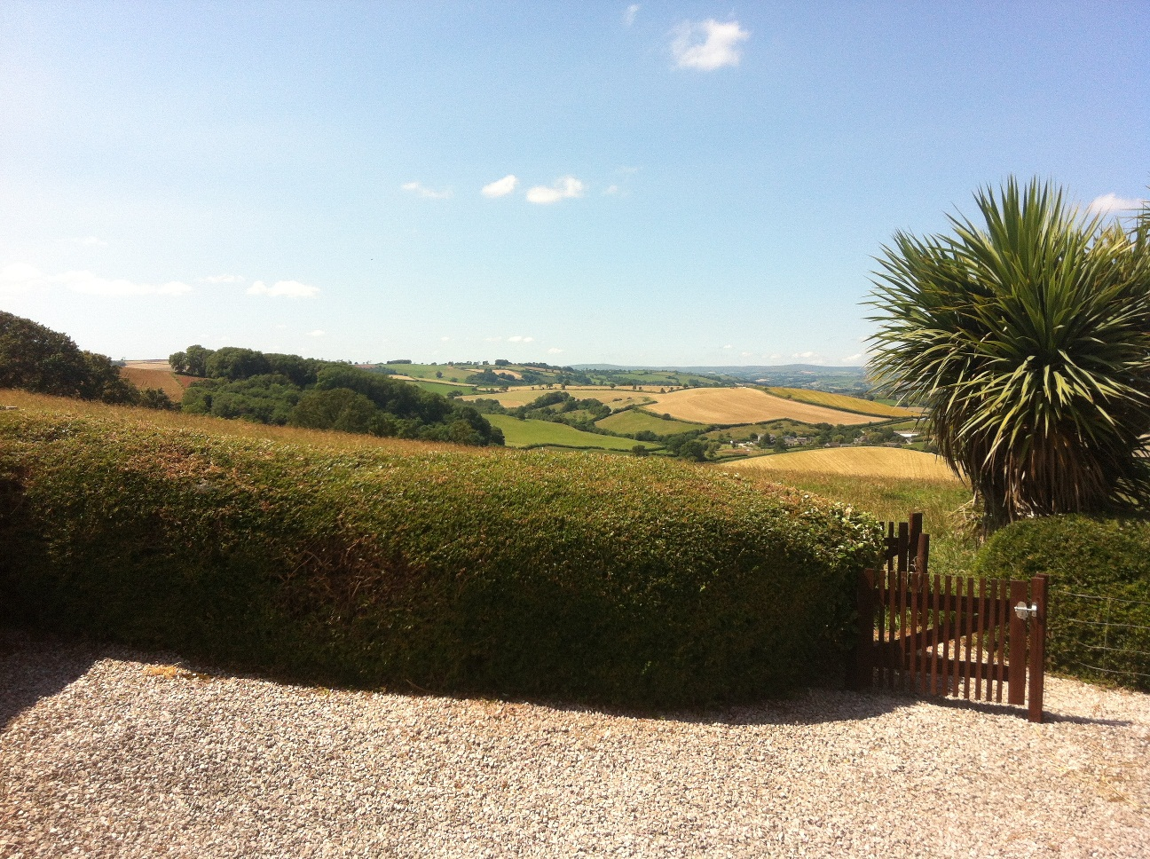 Newbarn Farm Cottages & Angling Centre
