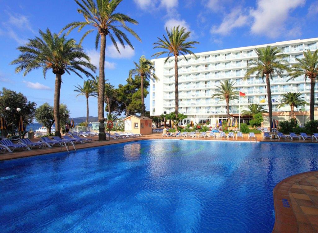 シレニス ホテル トレス  カラベラス