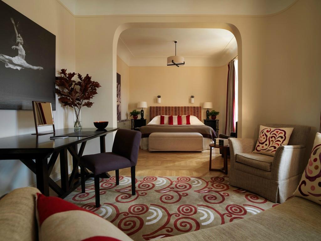 阿斯托利亞堡羅科酒店
