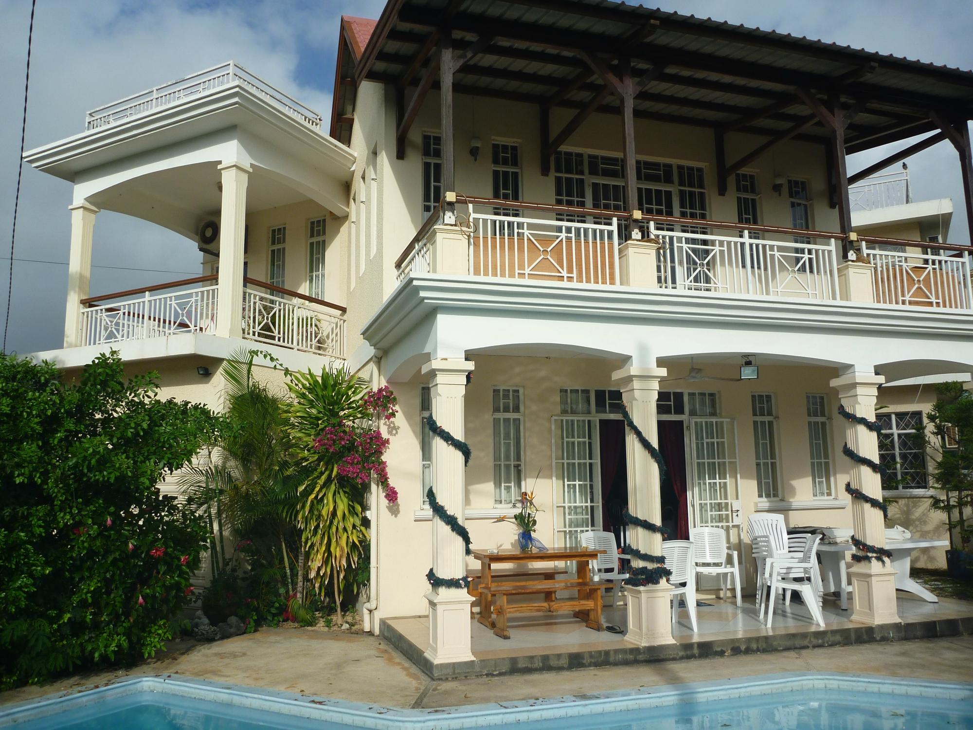 """Pallagino"" Charming beach side Guest House"