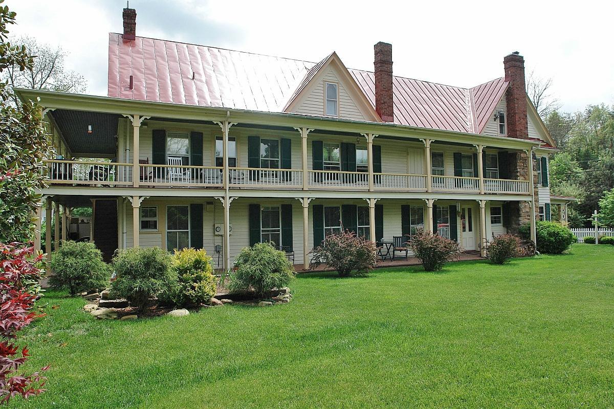 The Hummingbird Inn