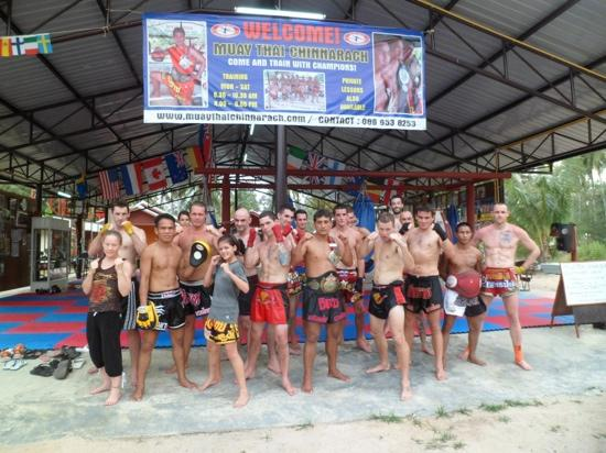 ‪Muay Thai Chinnarach Boxing Camp‬