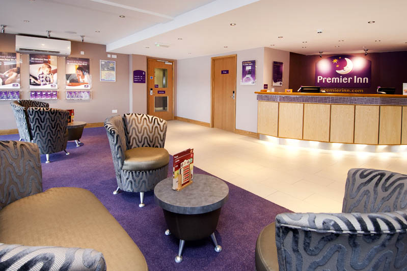 Premier inn barry island cardiff airport hotel pays de for Salle a manger wales