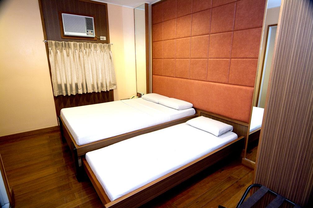 Kabayan Hotel Monumento