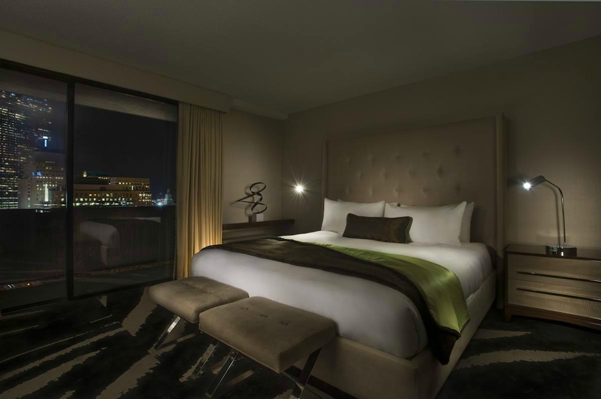 โรงแรมรีเวียร์บอสตัน คอมมอน