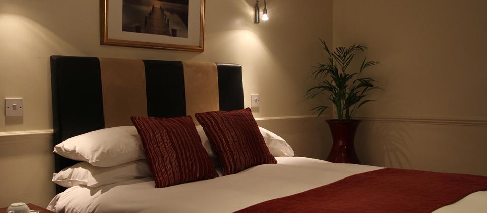 Thameside Hotel