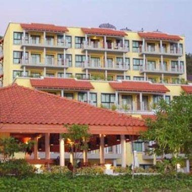 โรงแรมบาย เดอะ ซี เรสซิเดนซ์
