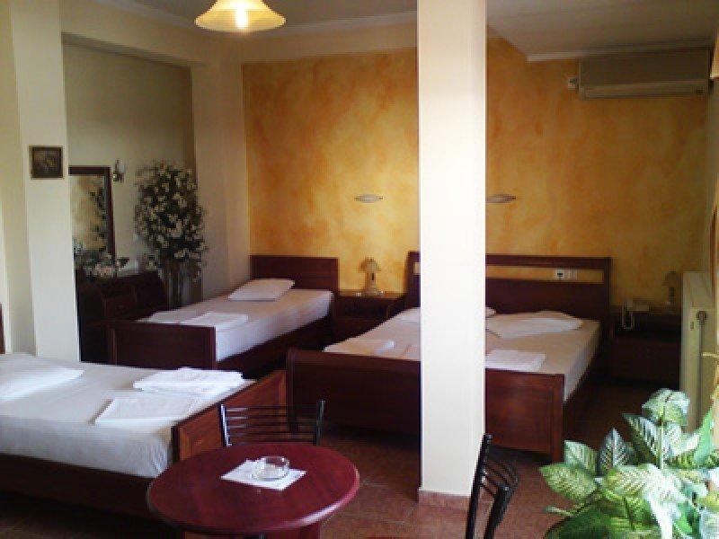 Faros II Hotel